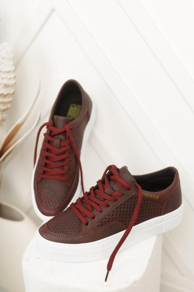 حذاء رياضة عنابي برباط نسائي