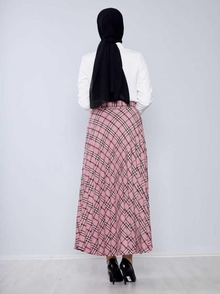 تنورة طويلة واسعة وردي فاتح بمربعات وحزام نسائية