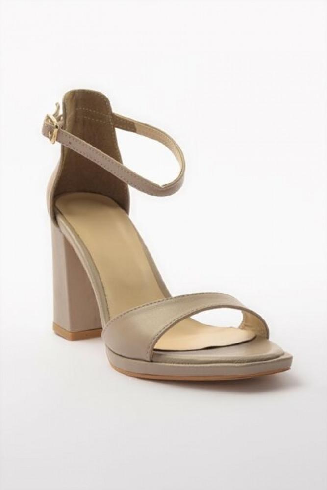 حذاء بكعب بيج كلاسيكي نسائي