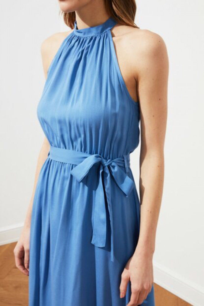 فستان ميدي أزرق بحزام نسائي