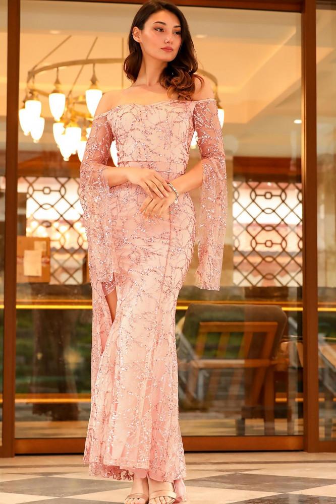 فستان سهرة وردي فاتح لامع برقبة بدون أكتاف نسائي