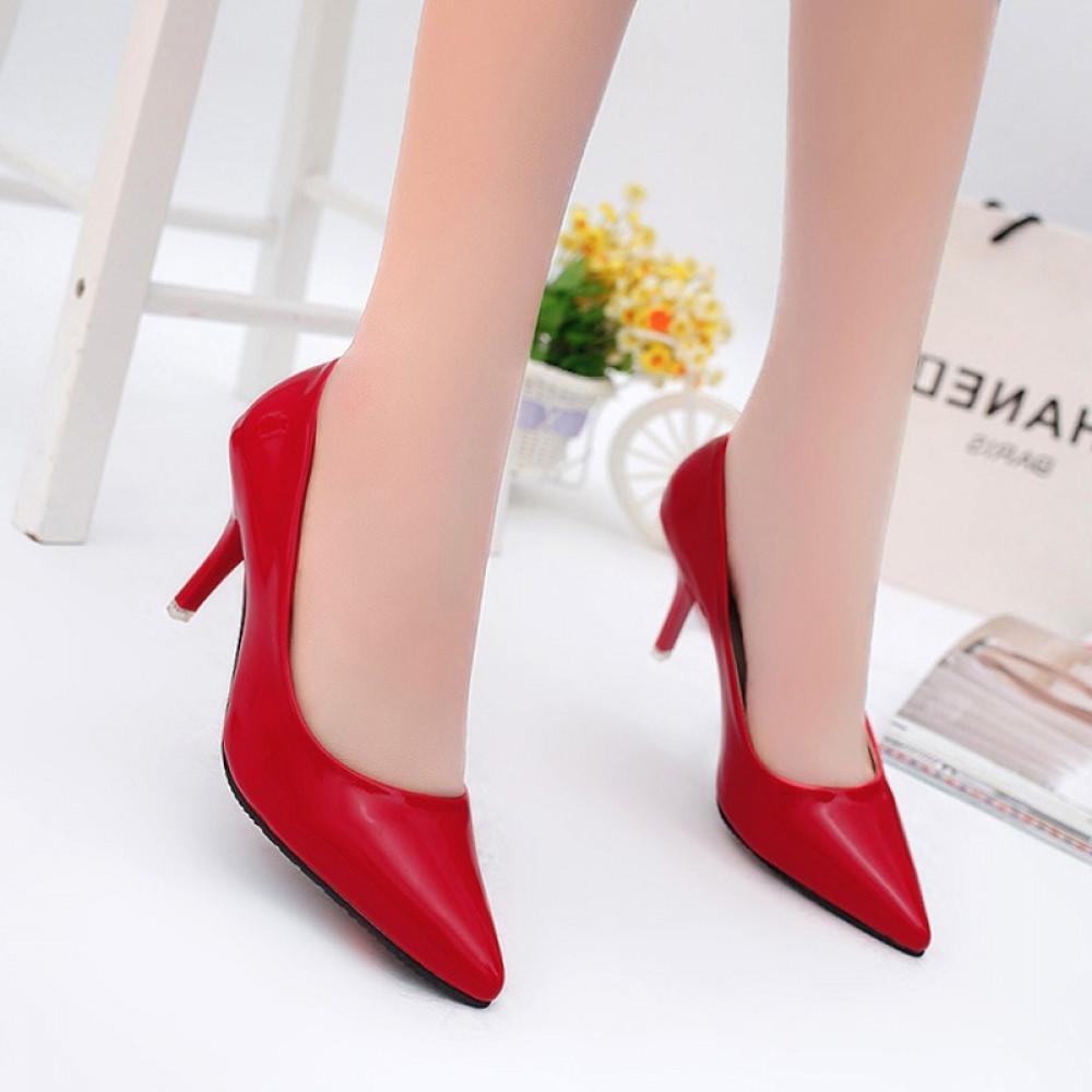 حذاء بكعب عالي أحمر كلاسيكي ناعم - متجر تواجد