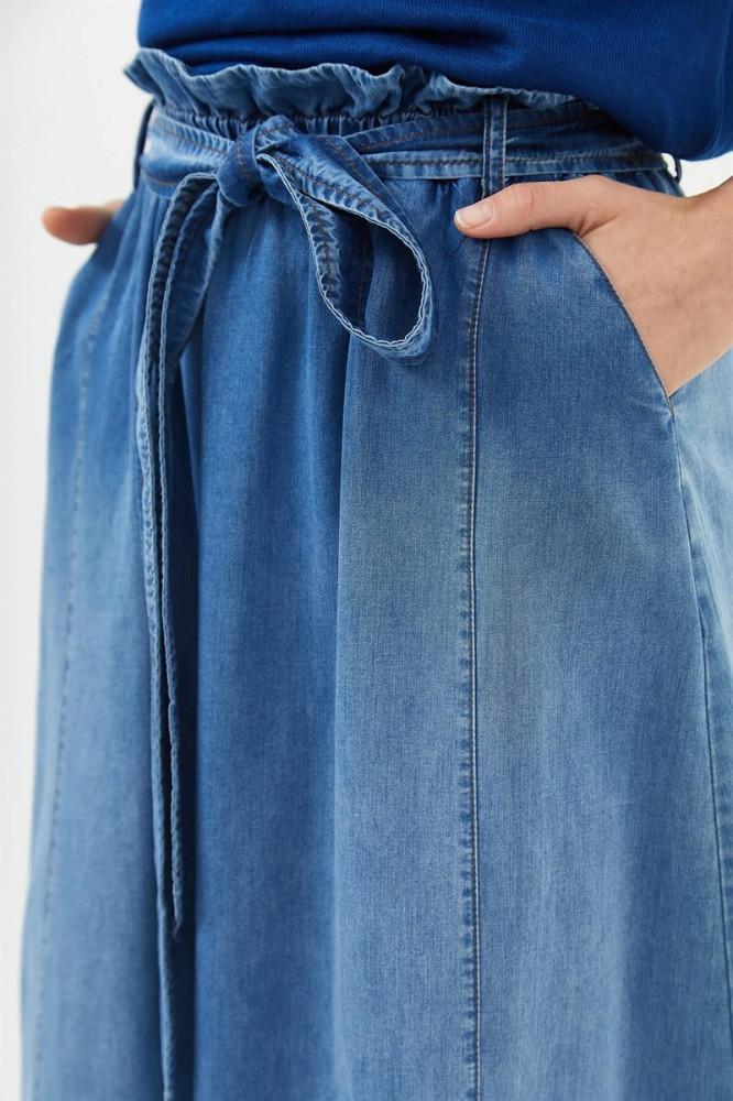 تنورة أزرق فاتح نسائية