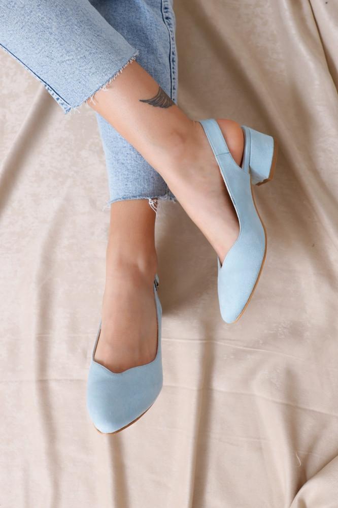 حذاء جلد سويدي أزرق فاتح بكعب نسائي