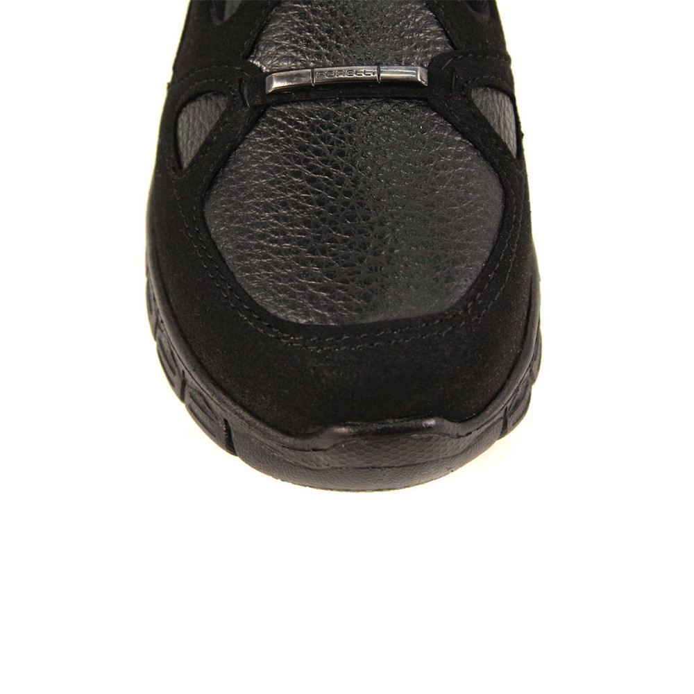 حذاء جلد أسود نسائي