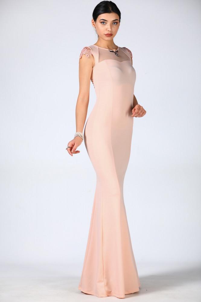 فستان سهرة وردي فاتح باكسسوار ياقة مزخرف بأزرار خلفية
