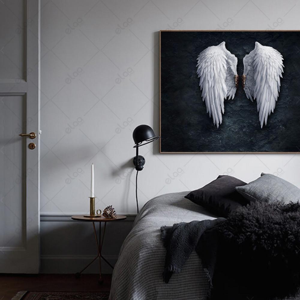 لوحة جدارية ريش أبيض بخلفية سوداء