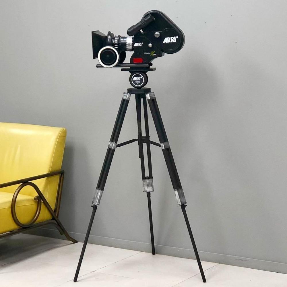 ديكور كاميرا حديد انتيك ستاندات متنوعة ديكورات انتيك كاميرا حديد