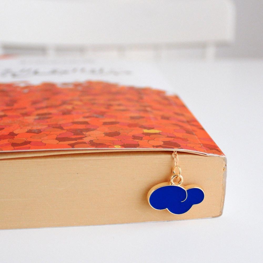 فواصل كتب متجر قرطاسية نادي القراءة ديكور مكتبة فاصل كتاب ذهبي حوت