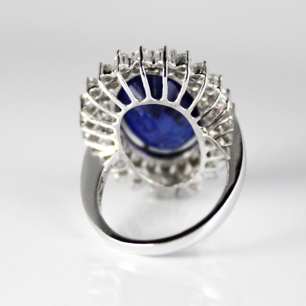 خاتم ألماس مع زفير أزرق على ذهب أبيض عيار 18