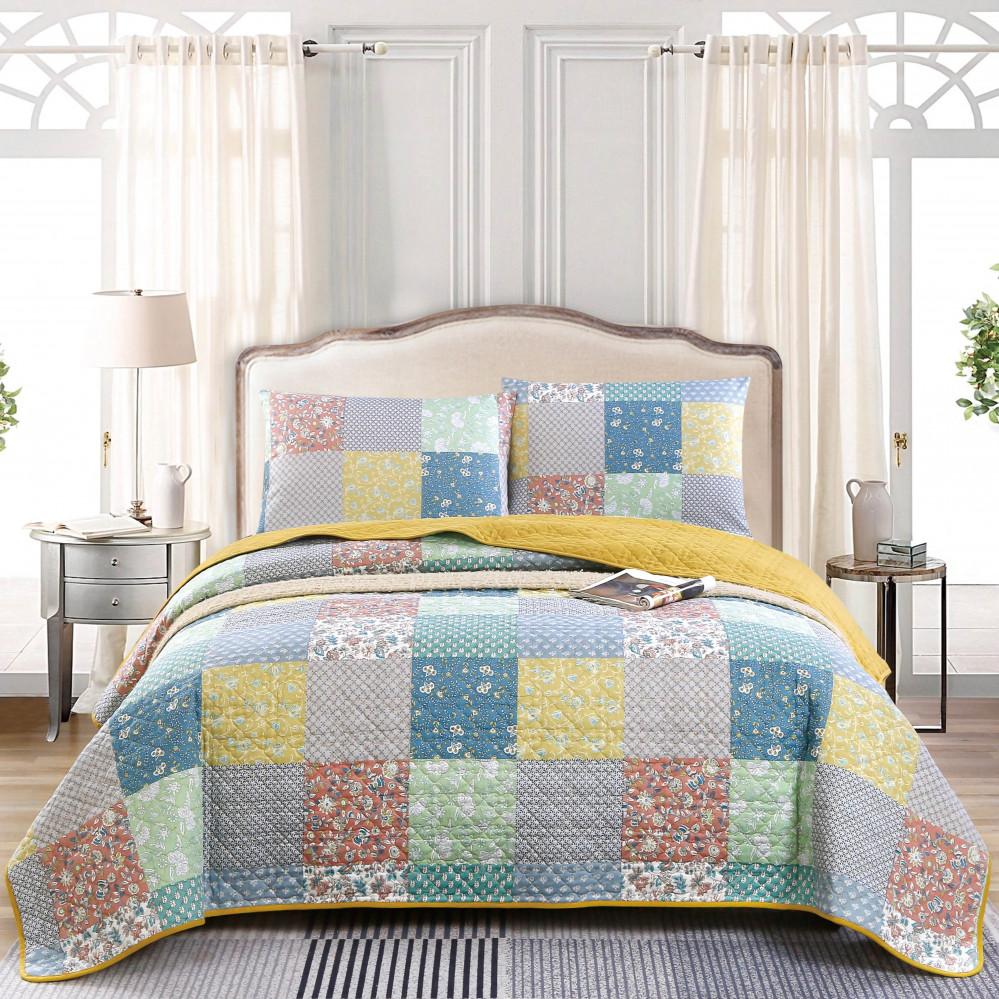 غطاء سرير لون أصفر يجمع بين التصميم الكلاسيكي مقاس نفر
