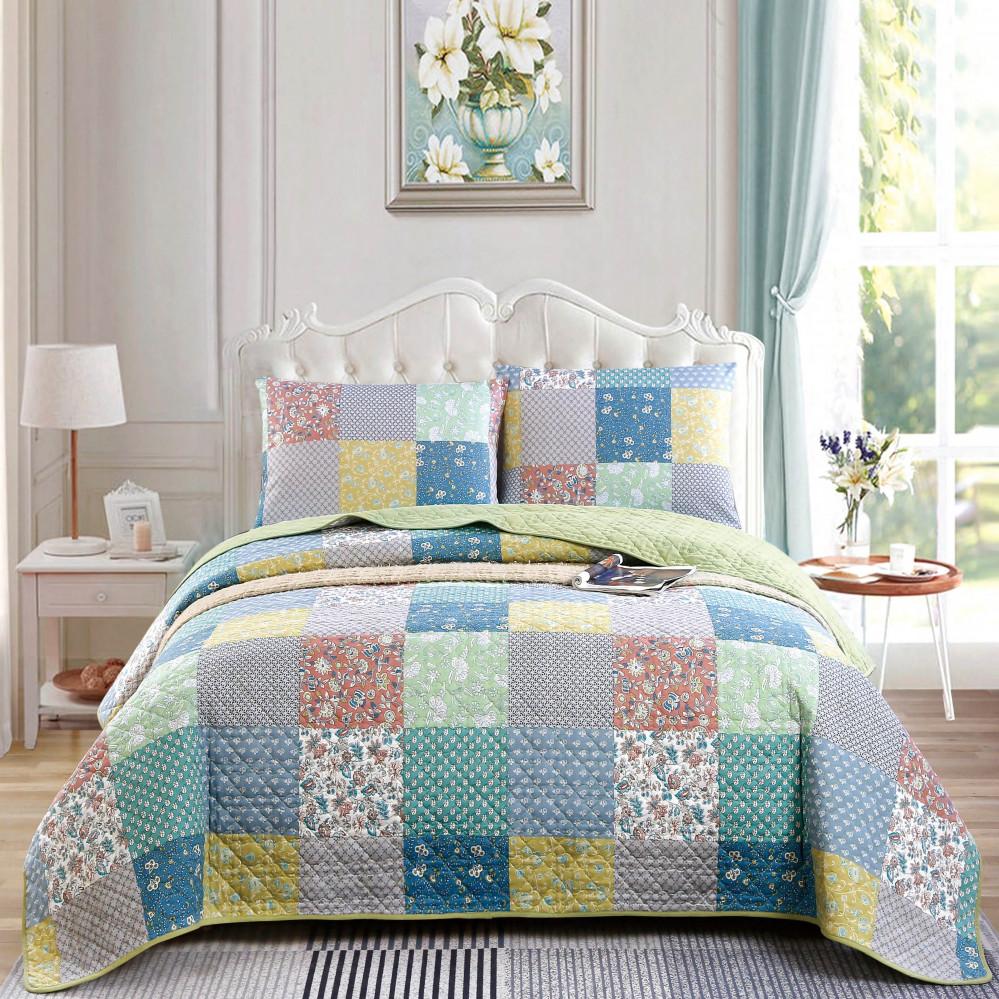 غطاء سرير لون أخضر يجمع بين التصميم الكلاسيكي مع الحديث بنعومة قطنية