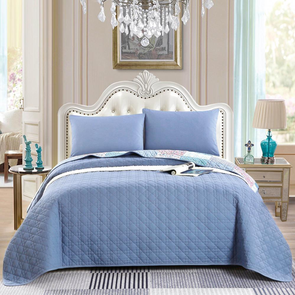 غطاء سرير لون  ازرق يجمع بين التصميم الكلاسيكي مقاس نفر