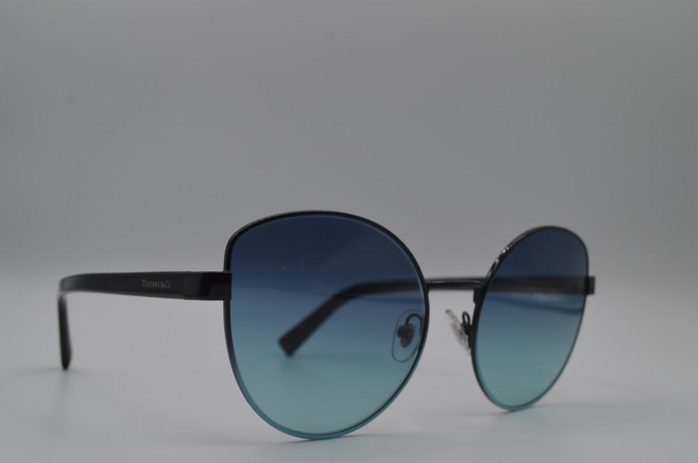 تيفانى اند كو TIFFANY and CO نظارة شمسية نسائية لون العدسة اسود مدرج