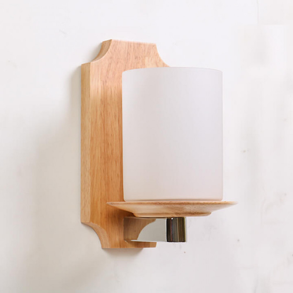 إضاءة الدرج الجانبية من الخشب وكأس من الزجاج المثلج - فانوس