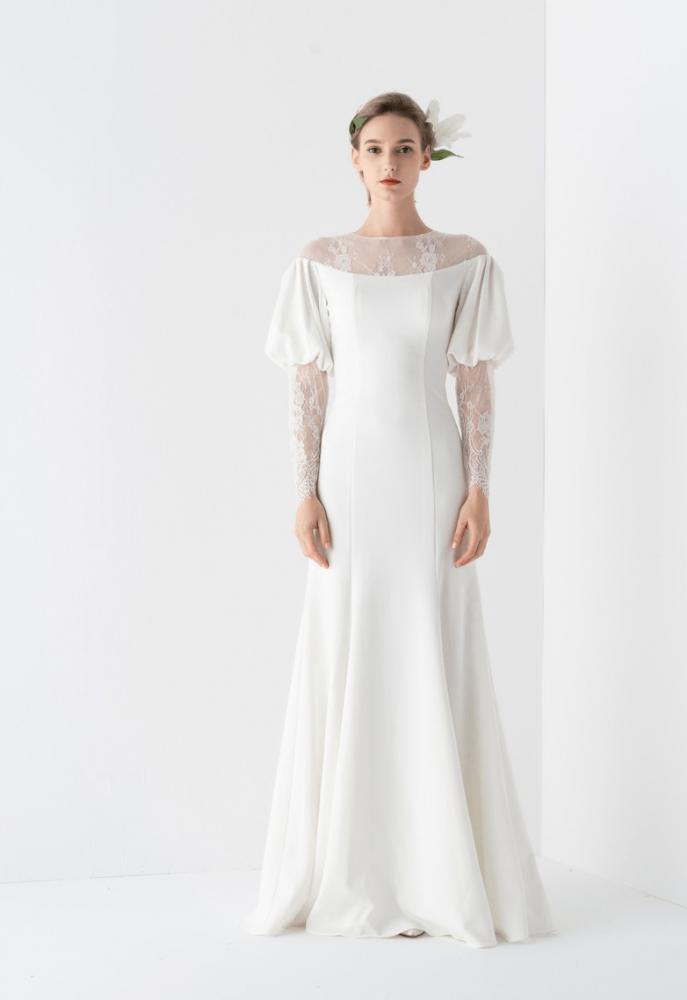 فستان كم طويل بالدانتيل المطرز - BlumerCloset
