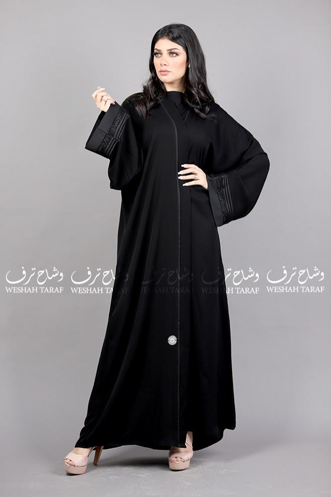 عباية بلاك بيري كم مربع ورود وقيطان أسود بالكم قماش بلاك بيري
