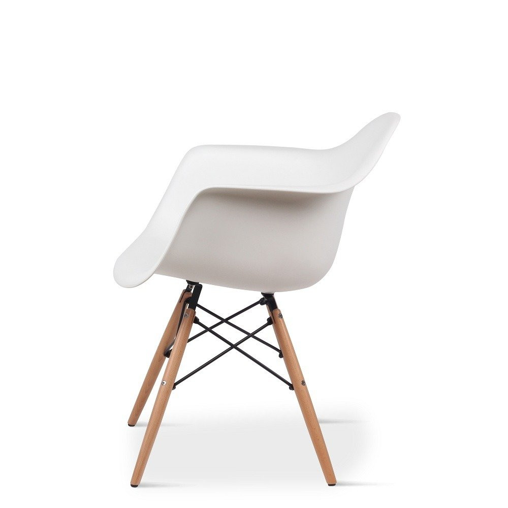 صورة جانبية للكرسي من طقم كراسي نيت هوم أبيض في ديل يوتريد للأثاث