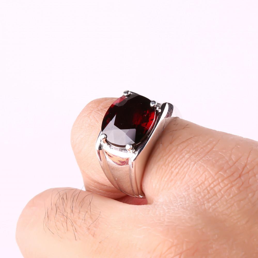 خاتم من حجر الجارنت الطبيعي