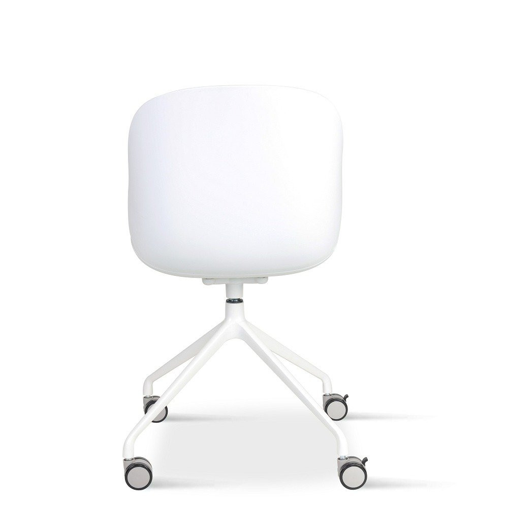 مواسم كرسي لون رمادي فاتح NEAT HOME بتصميمه الذي يواكب  صيحات الموضة