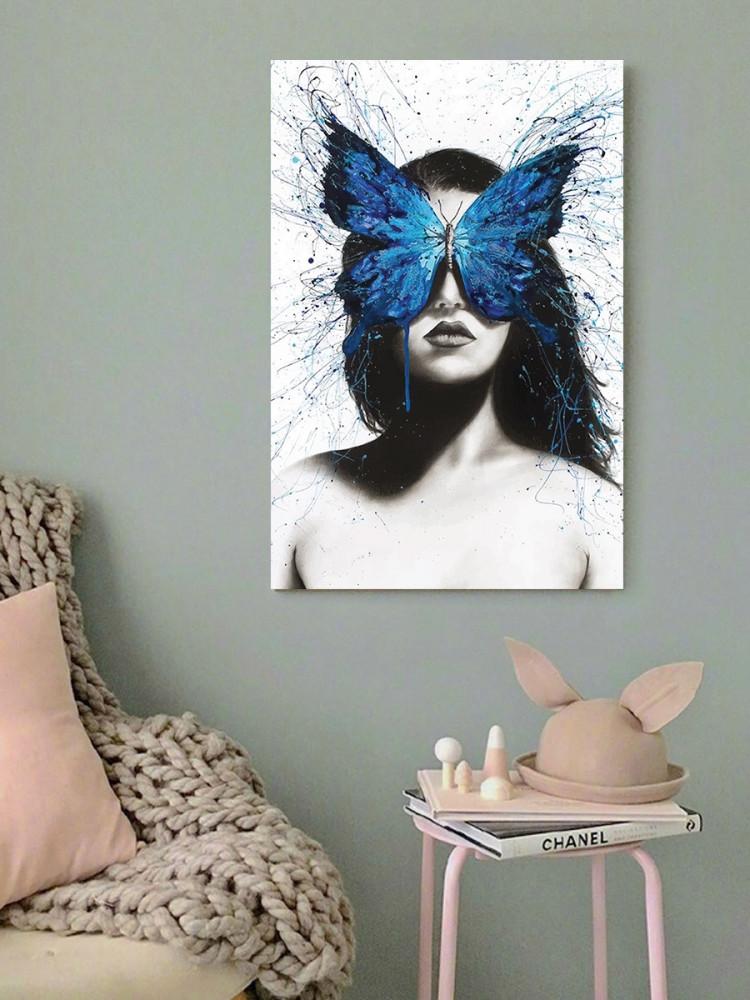 لوحة المرأة و الفراشة الزرقاء خشب ام دي اف مقاس 40x60 سنتيمتر