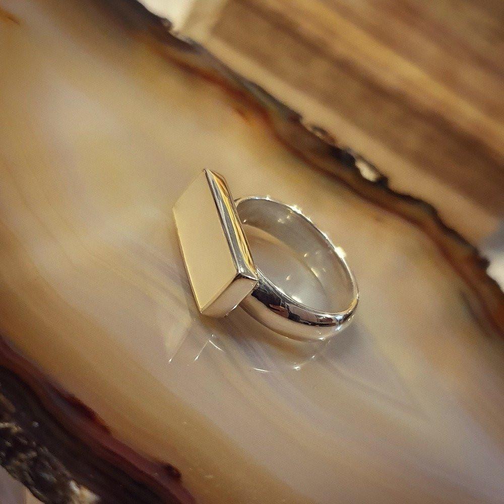 خاتم ملكي راقي بحجر صدف مميز