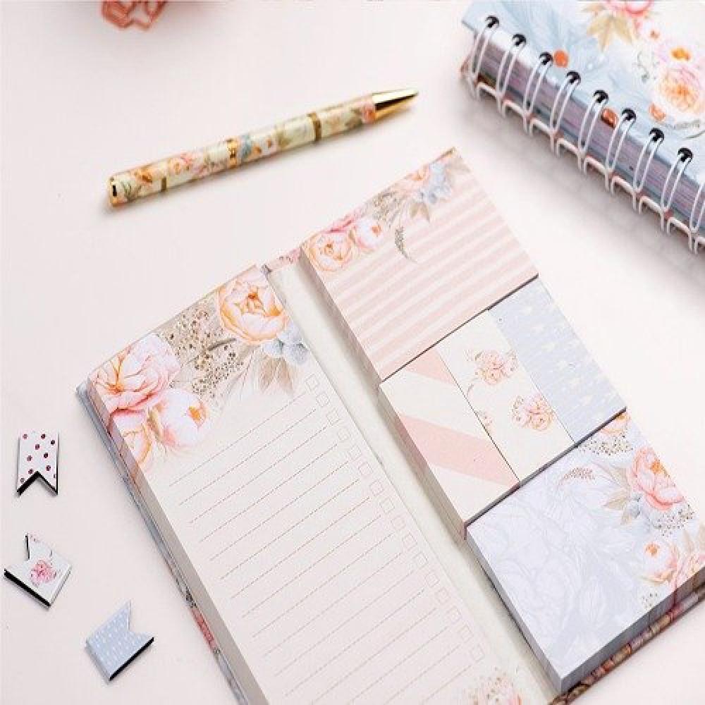 ورق ملاحظات مزين برسومات ورد ملونة