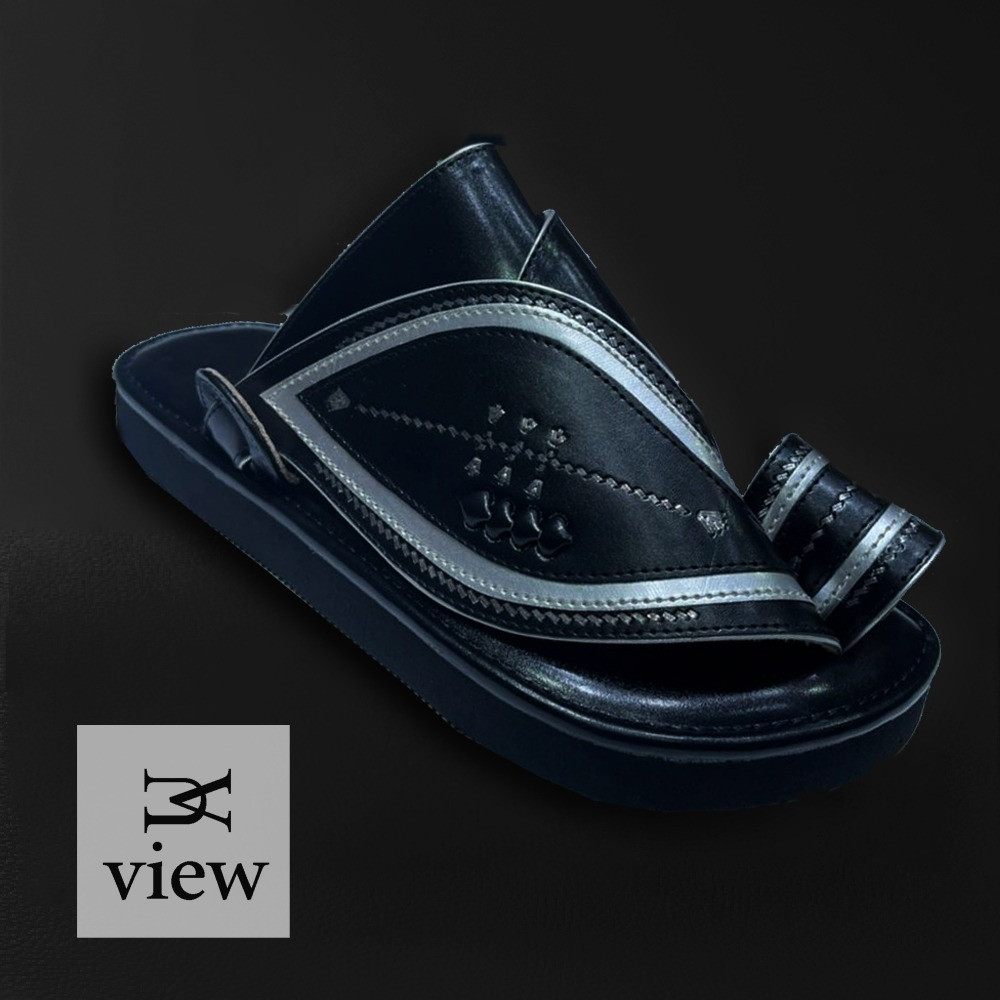 حذاء شرقي اسود V528