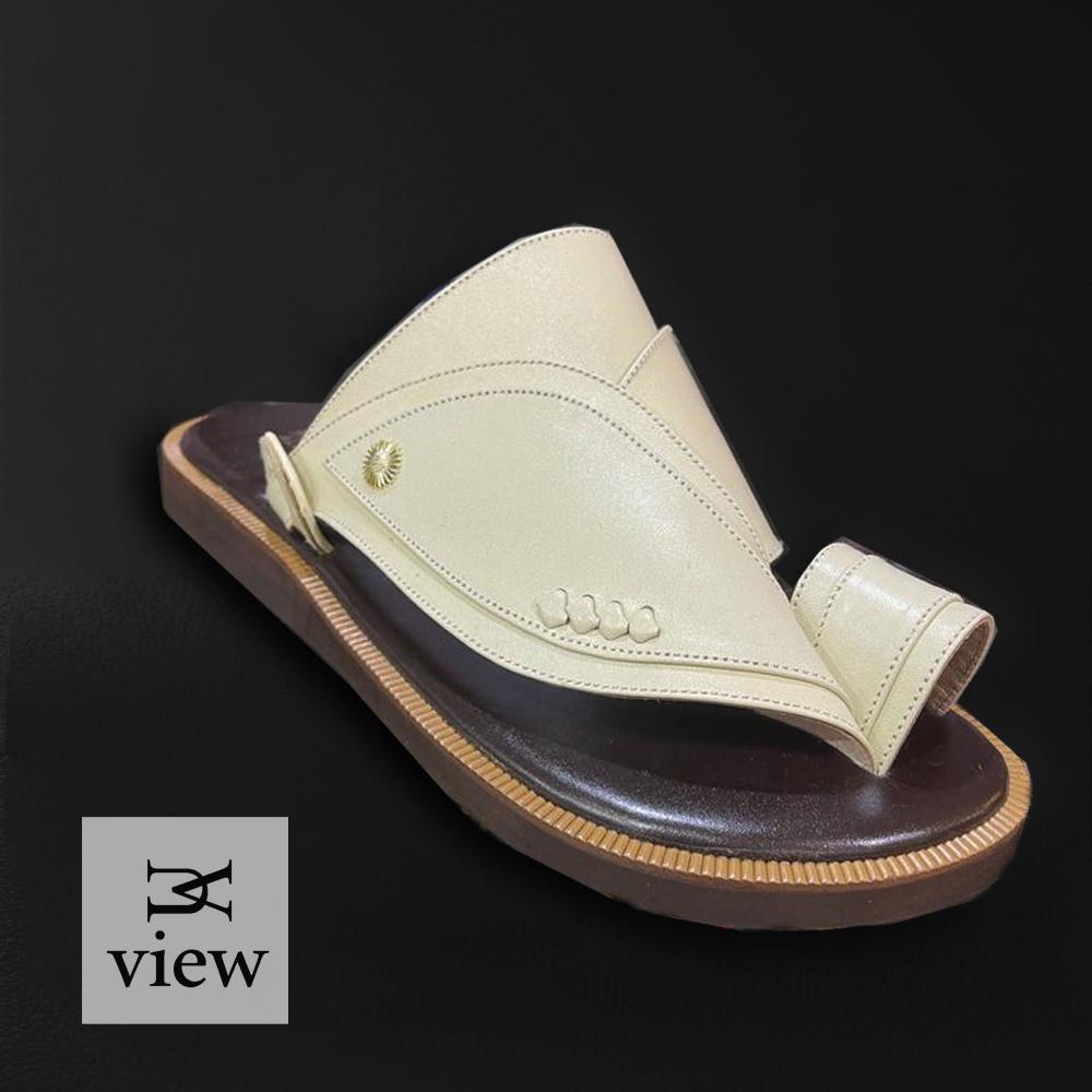 حذاء شرقي بيج سادة V520