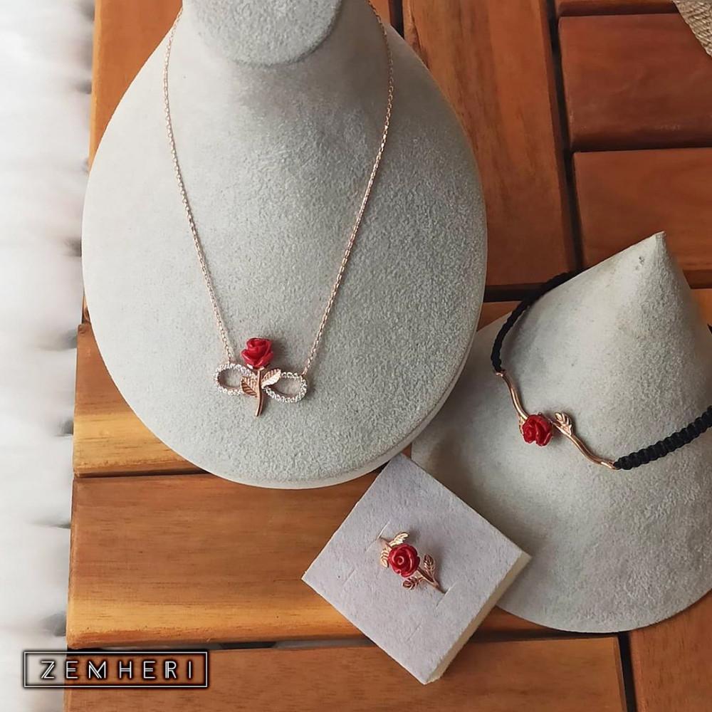 طقم الوردة الحمراء الجميل والفريد المكون من سلسال واسورة وخاتم فضة عيار 925 متجر زمهري