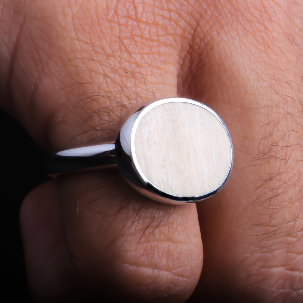 خاتم من عاج الماموث النادر