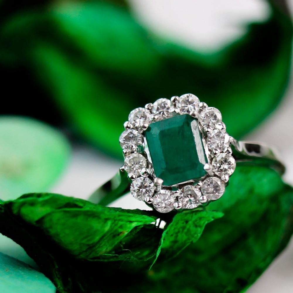 خاتم الماس وزمرد أخضر فينتج عيار 18
