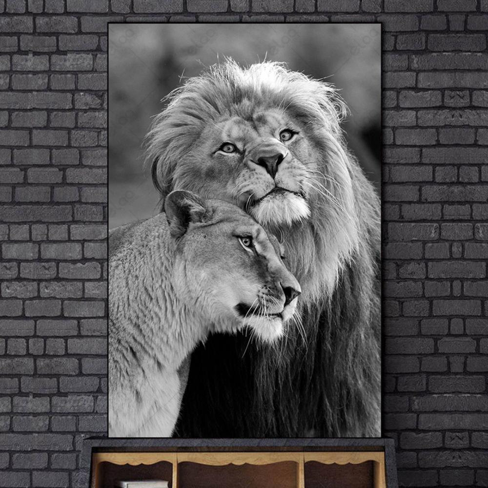 لوحة فنية لمنظر طبيعي لزوج من الاسود بالأبيض والاسود
