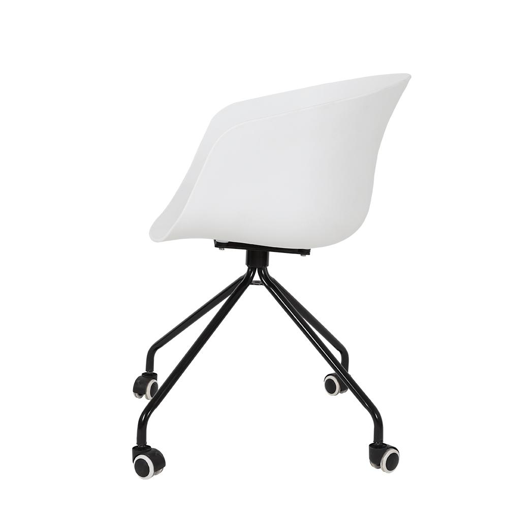 رؤية الجانبية للكرسي من طقم كراسي أبيض بعجلات في ديل يوتريد للأثاث