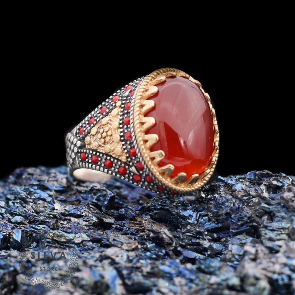 خاتم راقي بحجر ياقوت وفصوص زركون أنيقة
