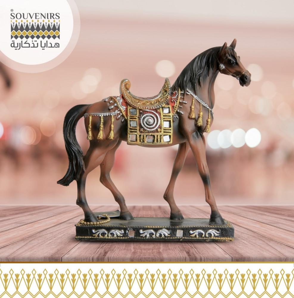 حصان فخار ملون كبير