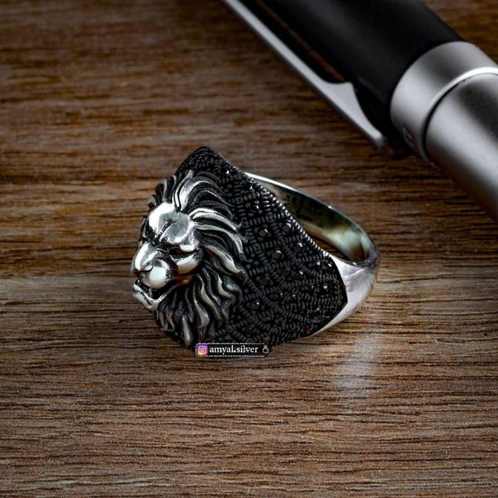 خاتم بصياغة راقية شكل وجه أسد