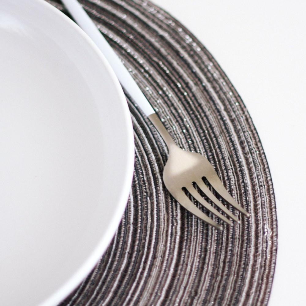مفرش طاولة طعام مفرش أطباق دائري لون رمادي ترتيب سفرة الضيوف متجر