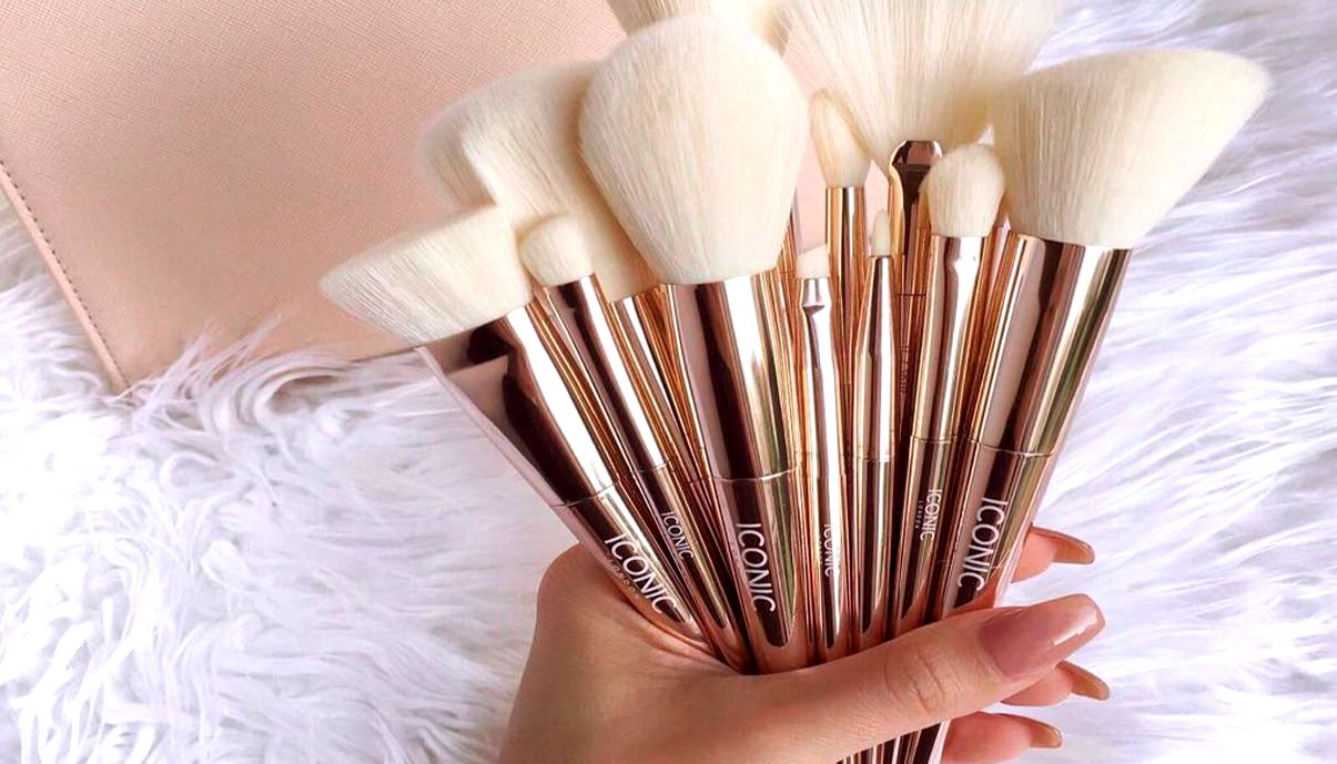 فرش الميكاب/Make up brushes