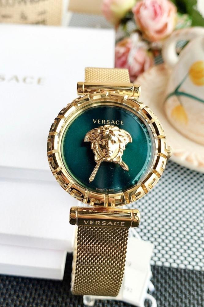 ساعة ماركة فرزاتشي الخضراء