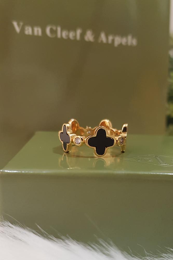خاتم ماركة فان كليف الورده