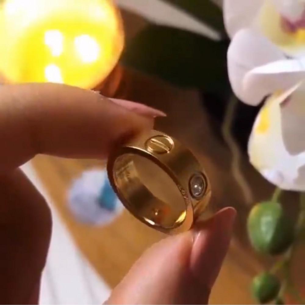 خاتم كارتير لوف الماس العريض