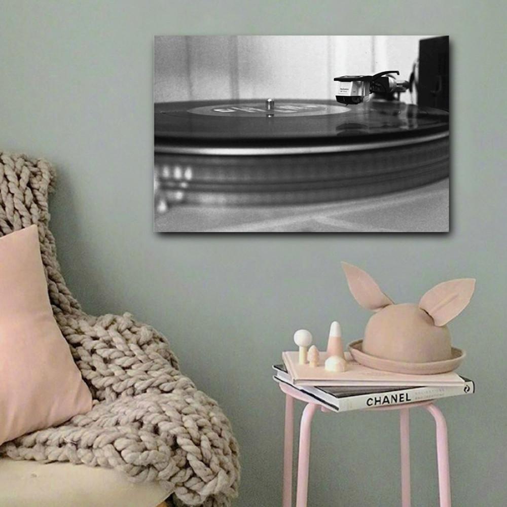 لوحة فونوغراف أبيض و أسود خشب ام دي اف مقاس 40x60 سنتيمتر
