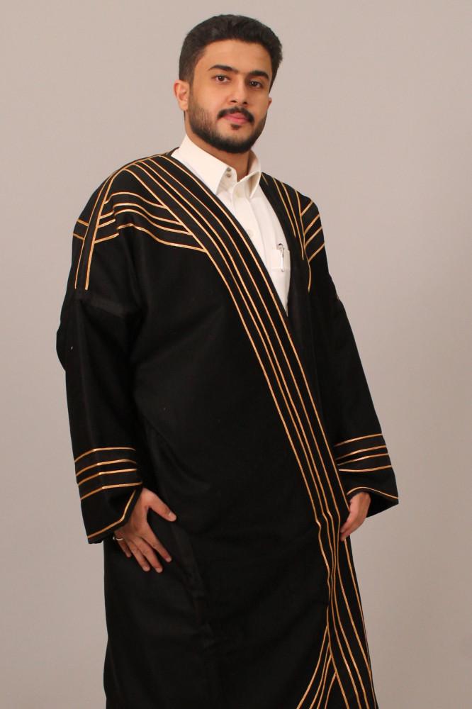 فروة قماش كشميري فرو طفيلي مطرزة بخيوط حرير ذهبية اسود