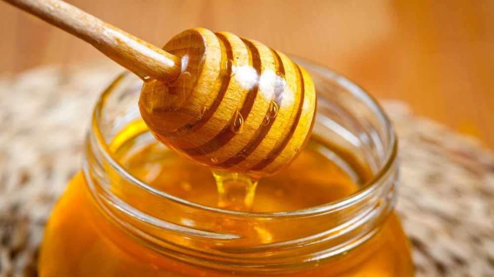 السعرات الحرارية في ملعقة العسل, ملعقة عسل كم سعره,