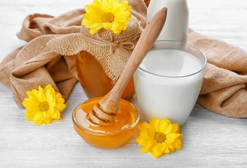 فوائد العسل للاطفال,فوائد العسل للأطفال على الريق,أضرار العسل للرضع