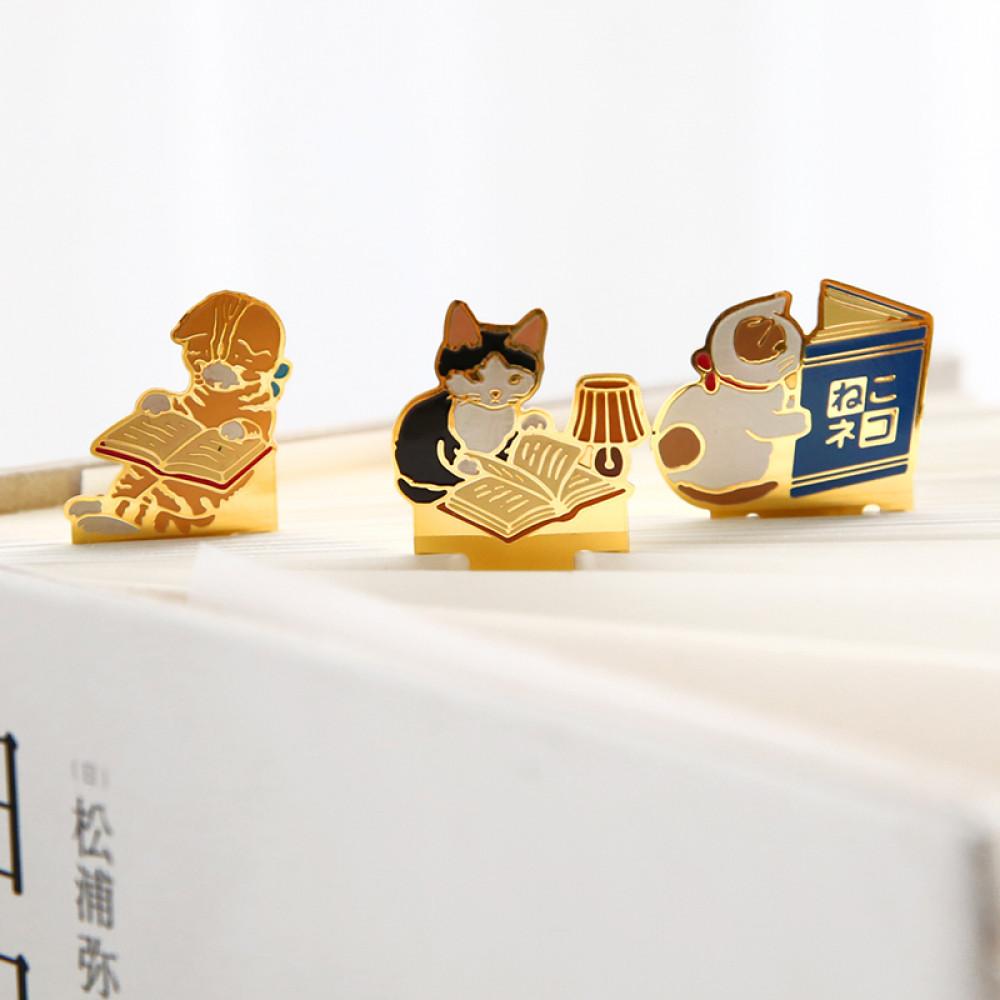 اشكال فواصل كتب معدنية بأشكال القطط اكسسورات وقرطاسية مميزة