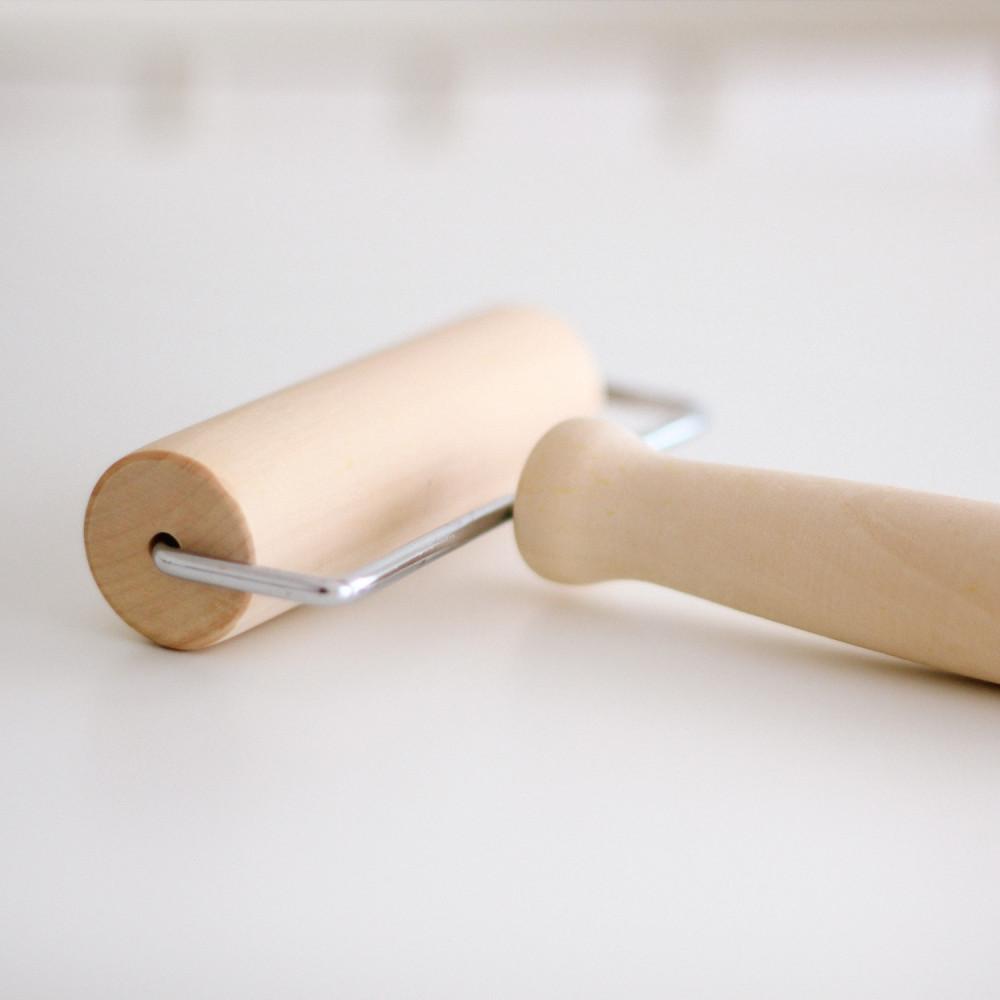رول لفرد العجينة بسهولة رول خشب سهل المسك والفرد طريقة فرد العجينة