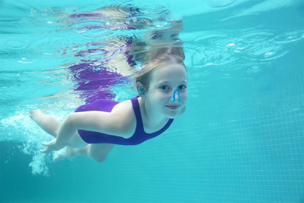 سدادات سباحة