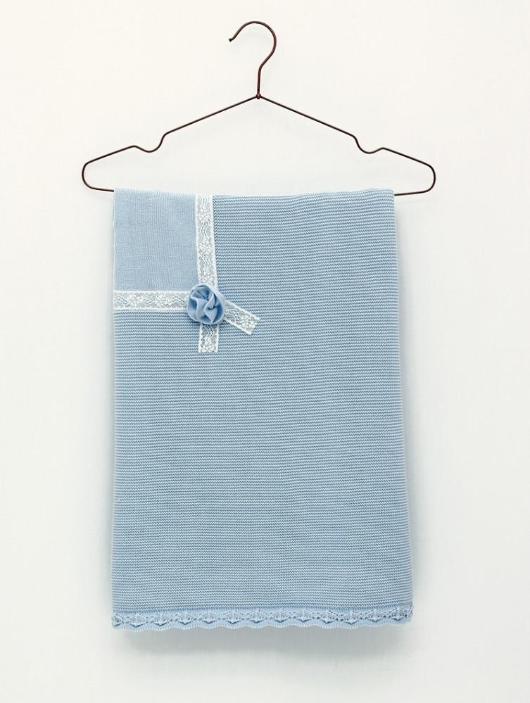 Foque بطانية باللون السماوي من ماركة